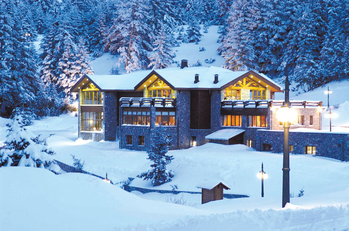 Elatos_Club_House_Winter